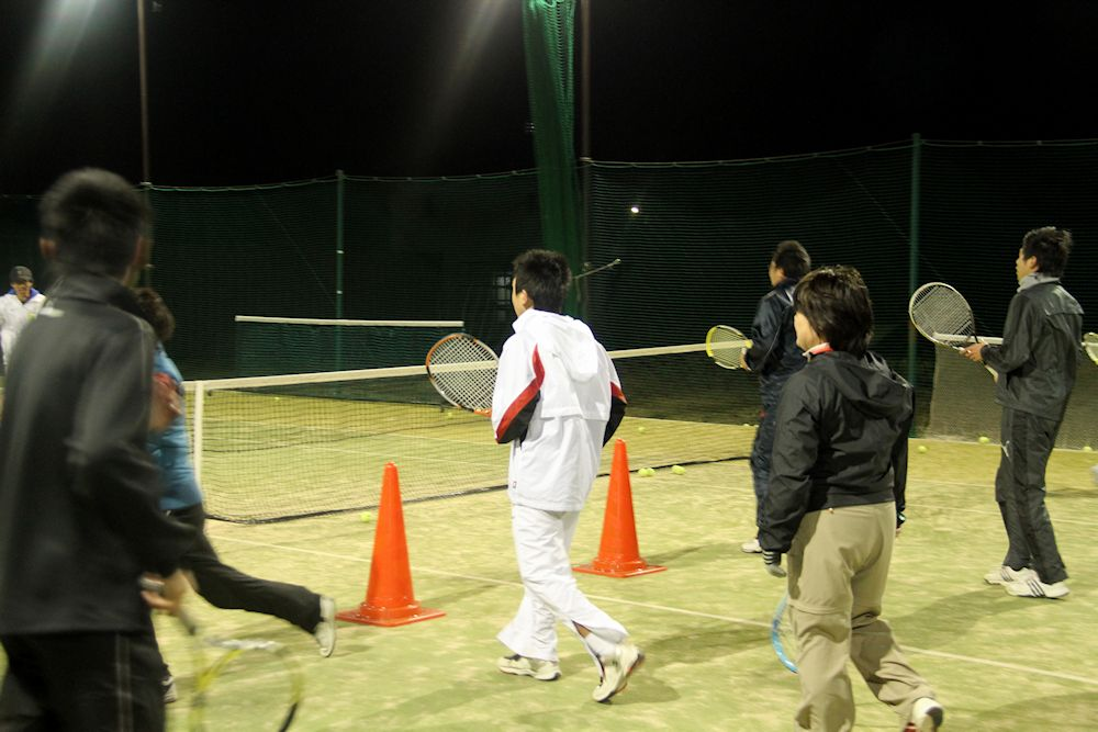 テニスレッスンイメージ