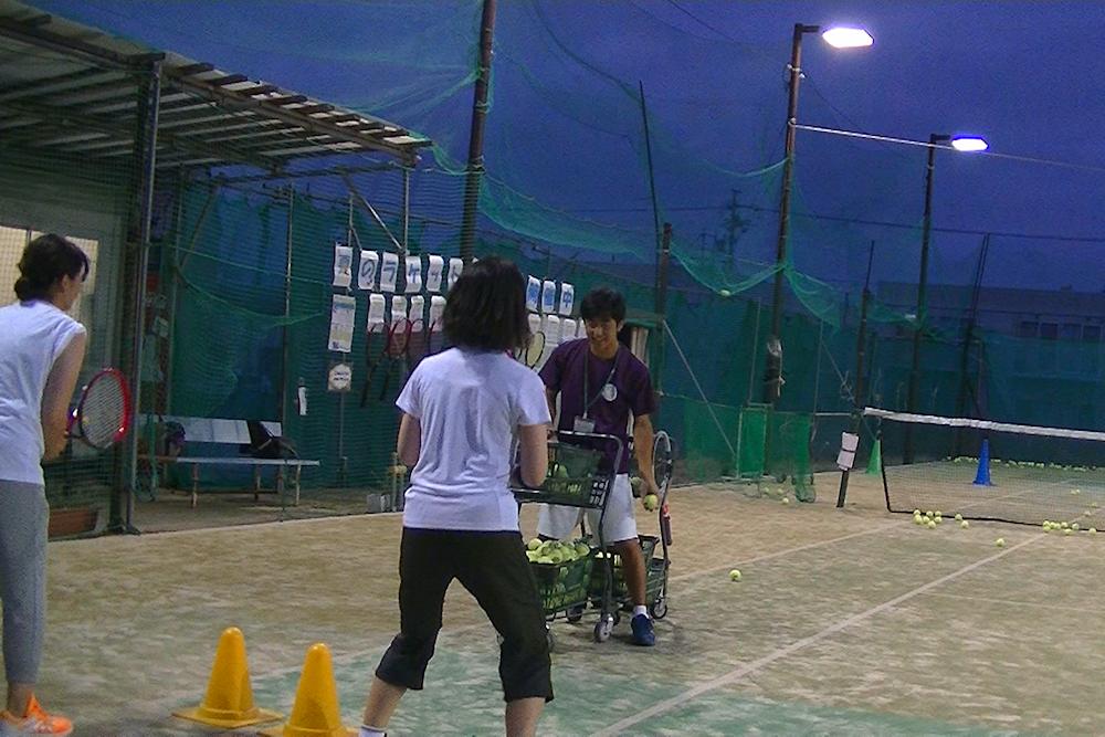 硬式テニスレッスン